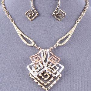 Three-tone Angulate Swirl Design Necklace Set